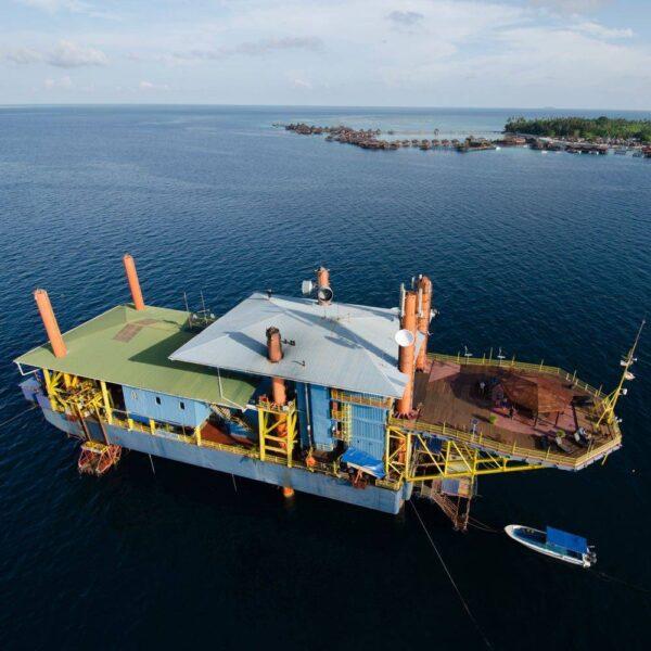 Seaventures Dive Rig at Mabul on East Coast of Sabah, Borneo, Malaysia