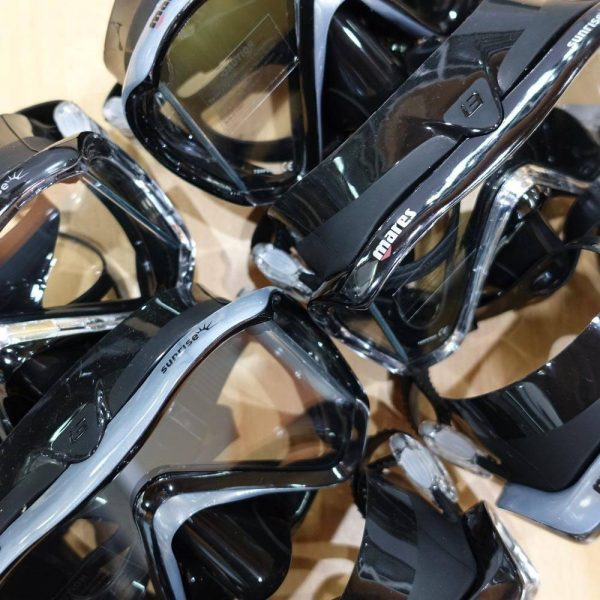 Mares i3 Sunrise Mask for snorkeling and scuba diving