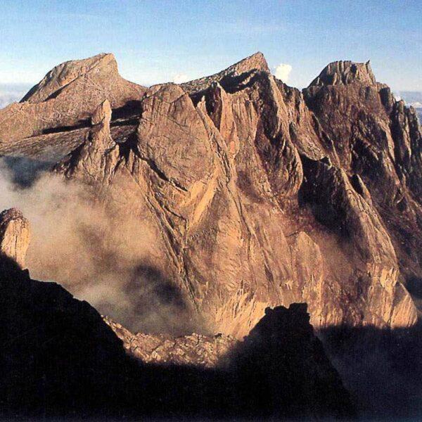 Climb Mount Kinabalu via Timpohan Gate