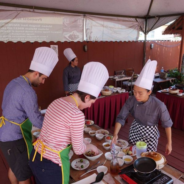 Guidance from your Chef at a Borneo Traditional Cooking Class