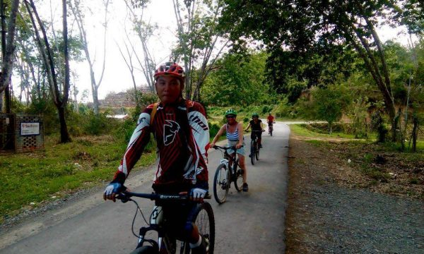 Enjoy a mountain biking day tour around Tuaran, Kota Kinabalu, Malaysia