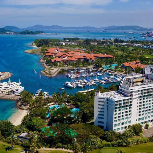 Scuba diving and snorkeling day trips whilst staying at the Sutera Harbour Resort, Kota Kinabalu, Malaysia
