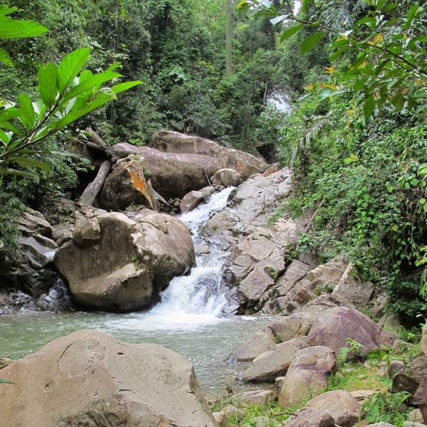 Hidden Waterfall - Chill out in the forest at Sapulot