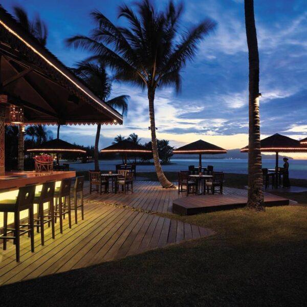 Shangri-La's Rasa Ria Resort and Spa | Sampan Bar at Night