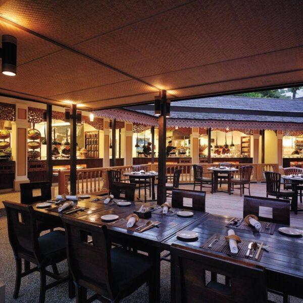 Shangri-La's Rasa Ria Resort and Spa | Tepi Laut Makan Street