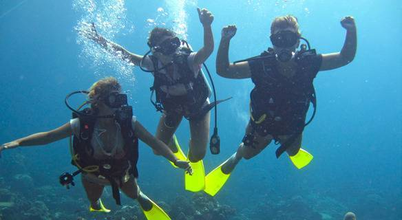 Scuba diving day trips with IST F20 Super Full Foot Fins in Kota Kinabalu